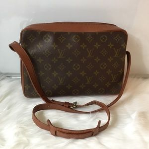 100% Authentic Louis Vuitton  Sac Bandouliere MM